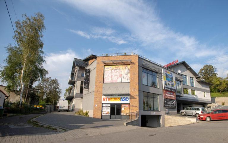 SOLNE TARASY Budynek handlowo – usługowy w Bochni